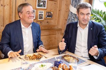 Ist Söder guter Unterstützer für Laschet? Neue Umfrage liefert klares Ergebnis