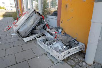 Chemnitz: Heftiger Knall auf dem Sonnenberg! Zigarettenautomat in Chemnitz gesprengt