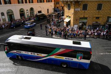 Tausende Fans feiern den neuen Europameister Italien in Rom