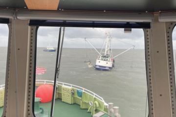 Dramatische Rettung! Fischkutter sinkt in der Elbmündung