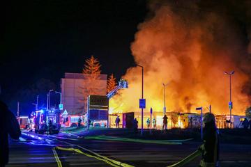 """Netto-Markt brennt lichterloh: """"Gebäude war nicht mehr zu retten"""""""