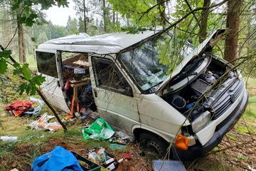 Schwerer Unfall in Mittelsachsen: Transporter überschlägt sich mehrfach