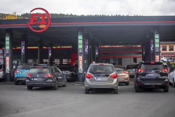 Benzinpreis-Schock: Deutsche stehen Schlange in Tschechien