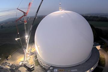 Neue Hülle für Industriedenkmal Radom am Ammersee mit Luft befüllt