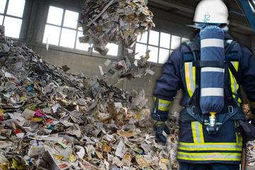 """Frankfurt: Notruf auf Recyclinghof: """"Radioaktive"""" Behälter halten Feuerwehr auf Trab"""