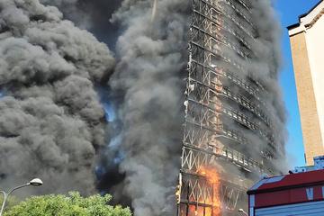 Fuego alto violento: 20 pisos ardiendo
