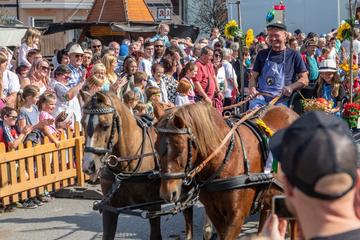 Beinahe wie vor Corona: Erzgebirge feiert Erntedankfest