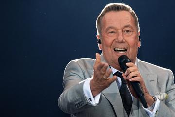 Die Kaisermania kehrt zurück! Roland Kaiser gibt nächstes Jahr sechs (!) Konzerte