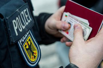 Bundespolizei greift in Sachsen mehr als 30 Flüchtlinge auf, Schleuser auf frischer Tat ertappt