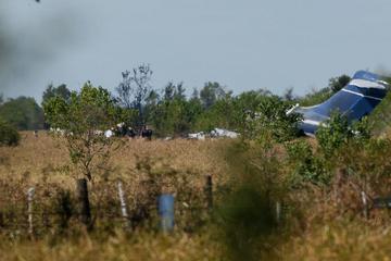 Flugzeug stürzt mit 21 Insassen ab: Was dann geschieht, ist unglaublich!