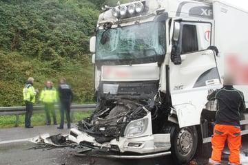 Unfall A8: Auffahr-Unfall auf der Autobahn: 59-Jähriger stirbt auf der A8