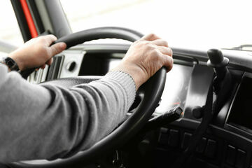 Lkw-Fahrer muss auf Befehl seiner Firma Weihnachten an der Autobahn verbringen