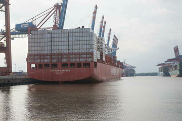Containerschiff mit hochgefährlicher Chemikalie bringt Ladung nach Bremerhaven