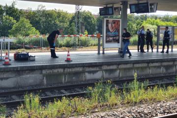 Messer-Attacke am Hauptbahnhof: Tatverdächtiger noch flüchtig