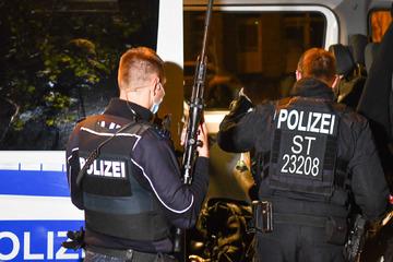 SEK-Einsatz in Magdeburg: 39-Jähriger schießt von Balkon