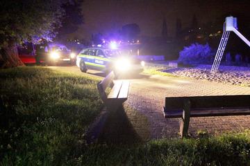 Überfall am Elbufer: Männer attackieren Teenager mit Pfefferspray und rauben sie aus