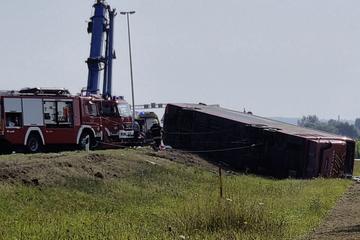 Busunglück in Kroatien: Mindestens zehn Tote, Fahrer eingeschlafen!