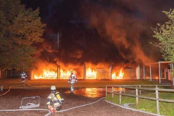 Schule in Flammen: Fünf Jugendliche für Millionenschaden verantwortlich?