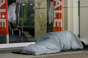 Obdachloser wird gewaltsam getötet: Mordkommission ermittelt