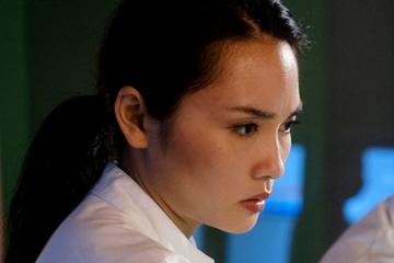 In aller Freundschaft: In aller Freundschaft: Lilly Phans Vergangenheit holt sie schmerzhaft ein