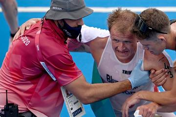 Drama bei Olympia: Norweger holt Goldmedaille, übergibt sich und muss in den Rollstuhl
