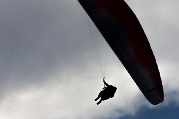Frankfurt: Paraglider an der Ronneburg abgestürzt und schwer verletzt