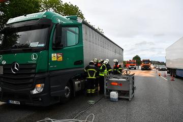 Unfall A1: Rund 200 Liter Diesel ausgelaufen! Unfall sorg für Vollsperrung auf der A1