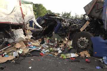 Unfall A1: Stauende übersehen! 73-jähriger Trucker stirbt bei Unfall auf der A1