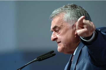 Köln: Duell der Generationen: CDU-Politiker Reul tritt gegen Kreischef an