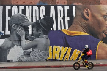 Vanessa Bryant found out about Kobe's death through phone notifications