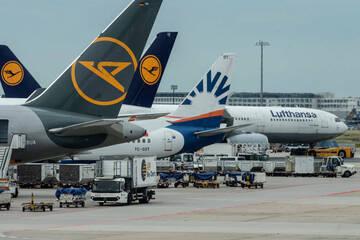 Lufthansa: Lufthansa will fliegendes Personal vollständig gegen Corona impfen lassen