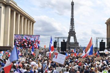 Impfpflicht in Frankreich: Parlament billigt strengere Corona-Regeln