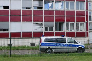 Streit in Flüchtlings-Unterkunft: Bewohner fällt aus Fenster!