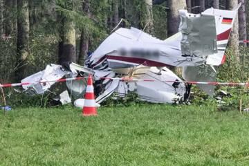 Bergungsarbeiten nach Absturz von Kleinflugzeug, 65-Jähriger verstorben