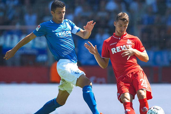 Spielt seit sechs Jahren für die deutschen Junioren-Nationalmannschaften: Kölns Eigengewächs Salih Özcan (r.), hier im Duell mit Bochums Anthony Losilla (l.), wurde im Testspiel gegen die Niederlande von seinem Gegenspieler Jordan Teze angespuckt.
