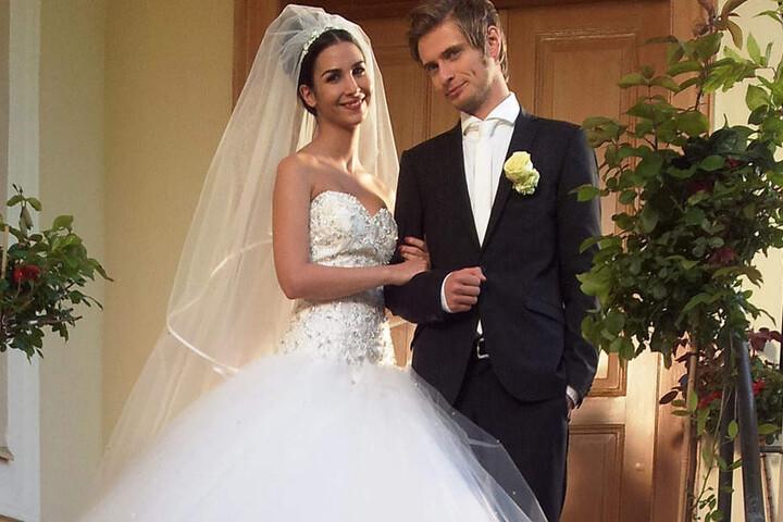 Mit Ex-Freundin Sila Sahin ist es nur in der Serie zu einer Hochzeit gekommen. Nun scheint es Jörn es mit seiner Verlobten Hanna besonders eilig zu haben.