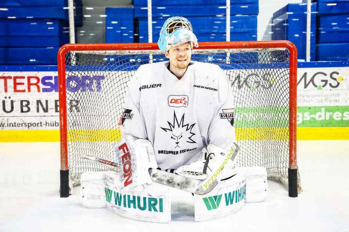 Der finnische Goalie Riku Helenius trägt ab sofort das Eislöwen-Trikot.