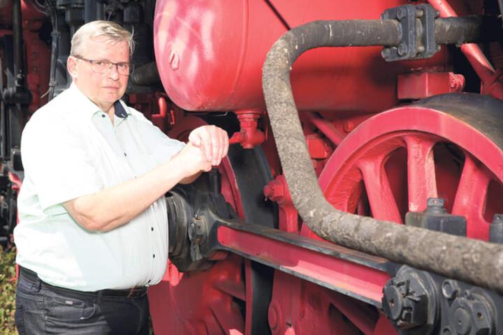 Heinrich Schleppers (64) hat einen Plan, die historische Lok zu retten.