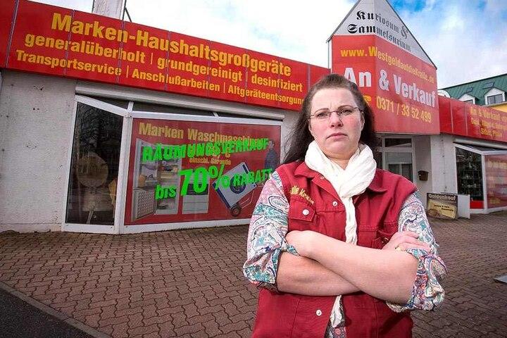 Inhaberin Susanne Neuhaus (39) hat die Einbrüche satt und schließt ihr Geschäft in Altchemnitz.