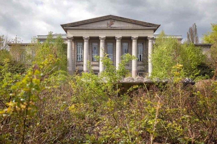 Seit einigen Jahren steht der Kulturpalast leer und verfällt.
