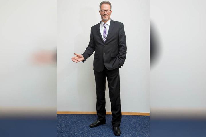 Mischa Woitscheck (51), Geschäftsführer des Sächsischen Städte- und Gemeindetags, ist sauer über die späte Anpassung ans Landesrecht.