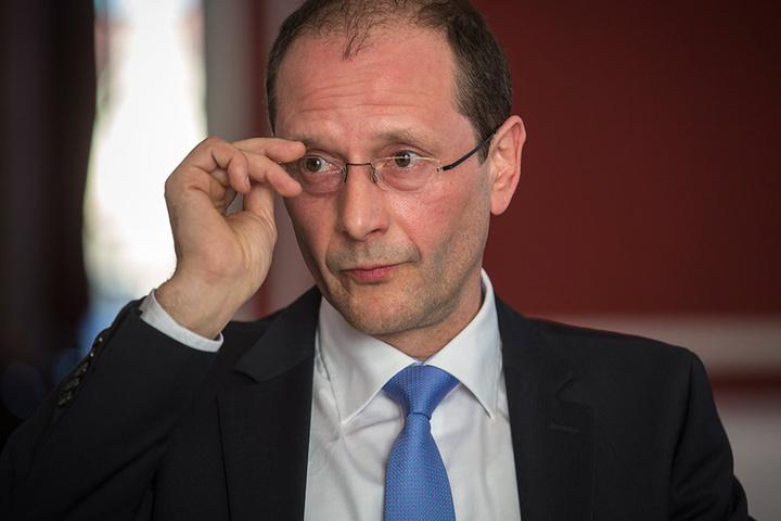 Weiteres Urteil: Es ist verfassungsgemäß, wenn Innenminister Markus Ulbig (52, CDU) den Ort seines Treffens mit der PEGIDA-Spitze im Januar 2015 nicht öffentlich nennt.