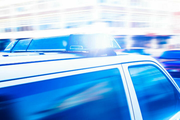 Bei der Identifizierung der Leiche bittet die Polizei nun die Bevölkerung um Mithilfe.