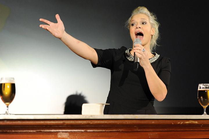 Ina Müller eröffnet das Komikerjahr 2017.