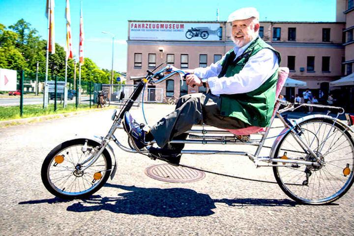 Das Sesselrad von Tüftler Anton Halibrand (65) dürfen die Besucher Probe  fahren.