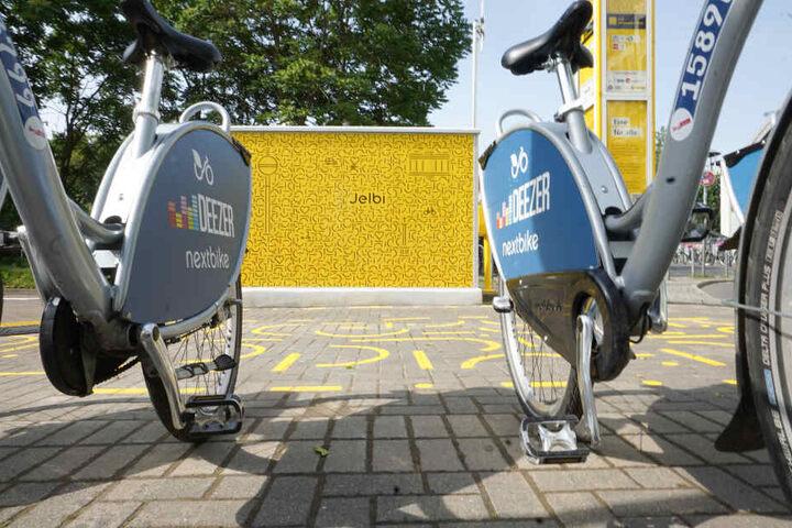 """Neben Fahrrädern, E-Rollern und Autos sollen in Kürze auch elektrische Tretroller zum Angebot von """"Jelbi"""" gehören."""