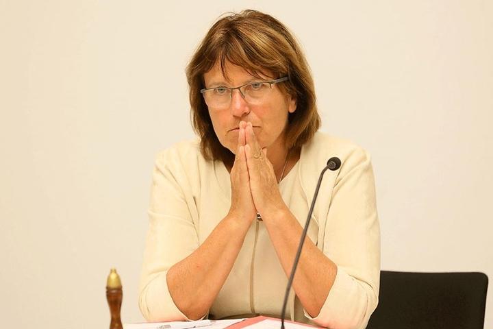Zwickaus Oberbürgermeisterin Pia Findeiß (61, SPD) will keinen Schlussstrich.