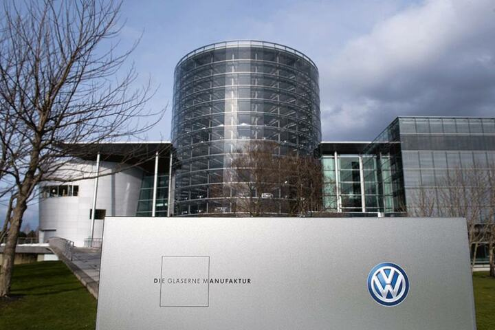 Nach einem Jahr Pause werden in der Gläsernen Manufaktur wieder Autos zusammengebaut.
