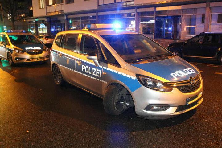 Ein Polizeiwagen bekam die Flucht zu spüren.