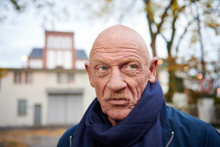 Joey Bausch vor dem Gefängnis in Werl.